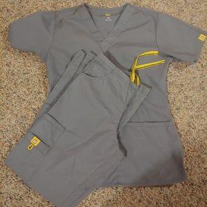 Women's wonderwink scrubs